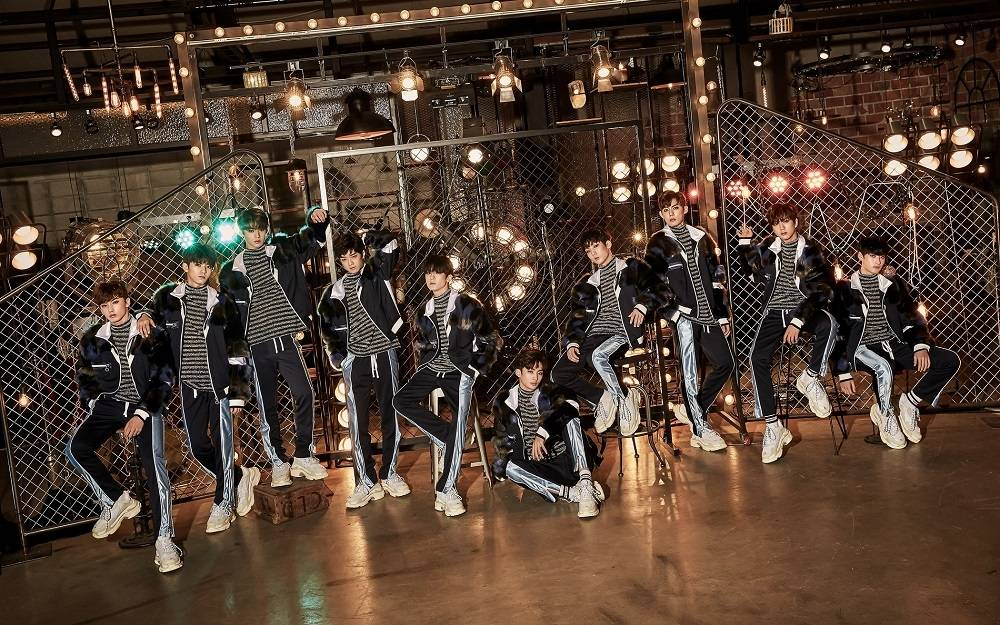 TRCNG - 1st Single Album: WHO AM I CD